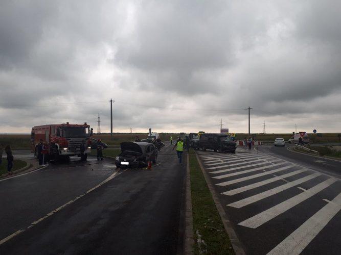 accid 667x500 Accident cu un microbuz in Teleorman: patru oameni, dusi la spital