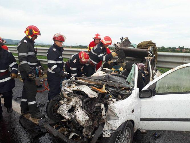 accid a1 667x500 Patru oameni au murit intr un accident pe A1
