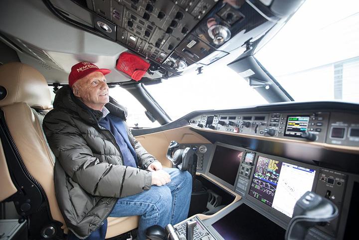 avion 2 Un fost campion din Formula 1 isi aduce aeronavele in Romania