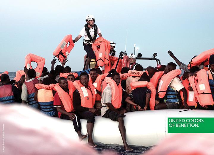 benetton Benetton isi face reclama cu naufragiatii