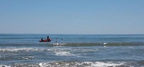 cautare Scafandrii continua cautarile adolescentului disparut in mare, la Corbu (VIDEO)