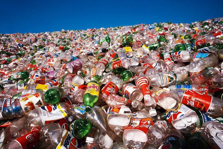 china plastic China a facut miliarde din gunoi