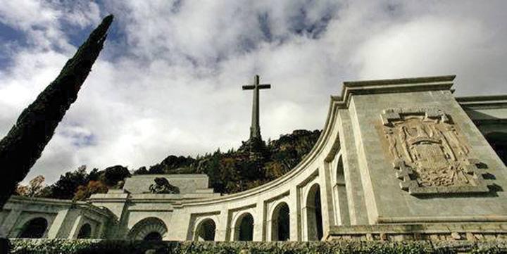 franco Franco, retras din mausoleul din Madrid