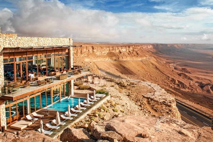 hotel mare Israel face turism din desert