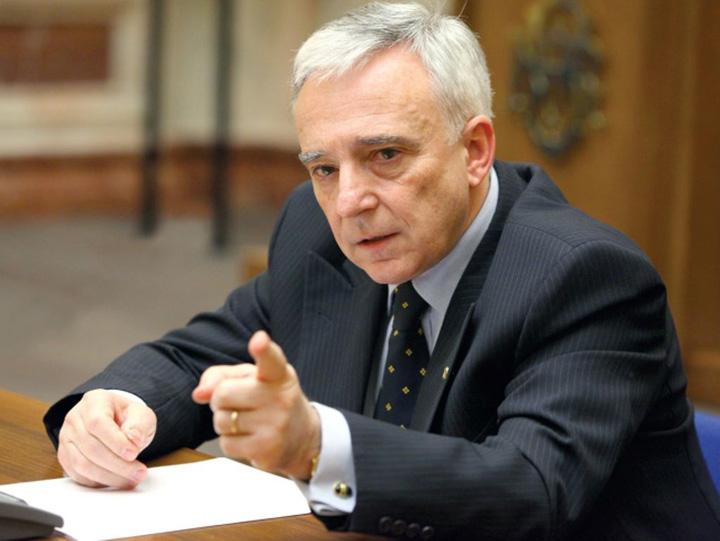 isarescu Isarescu, declaratie soc: Romanii nu sunt prizonierii bancilor, ci ai propiilor aspiratii