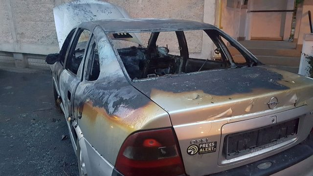 masina incendiata Masina unui jurnalist, incendiata. Fostul premier Grindeanu: o incercare de intimidare