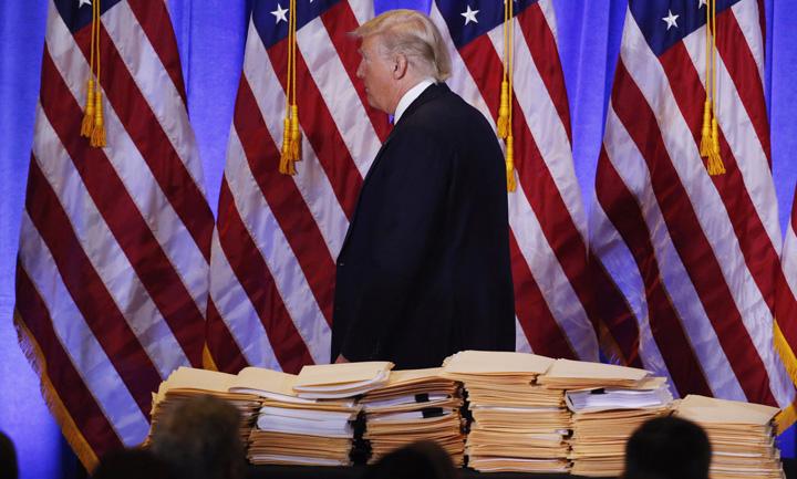 trump 3 4664 de euro pe luna sa lipesti hartoagele lui Trump