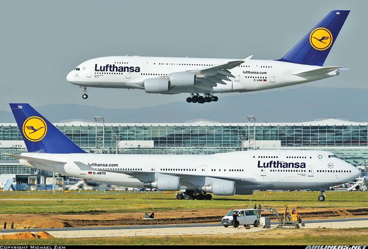 Boeing 747 vs Airbus A380 Lufthansa Pe ce comenzi se bat Airbus si Boeing