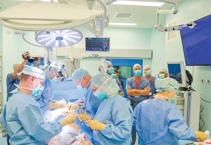 Polisano MedLife 5 Elita mondiala a chirurgiei cardiovasculare, la cursuri in Romania