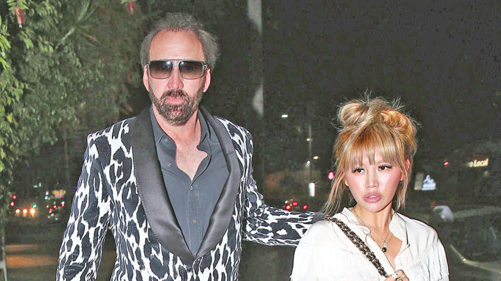 cage Nicolas Cage, reclamat ca zguduie patul