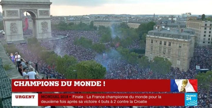 campi 720x366 Sarbatoare pe strazile Parisului dupa ce Franta a castigat Cupa Mondiala (VIDEO)