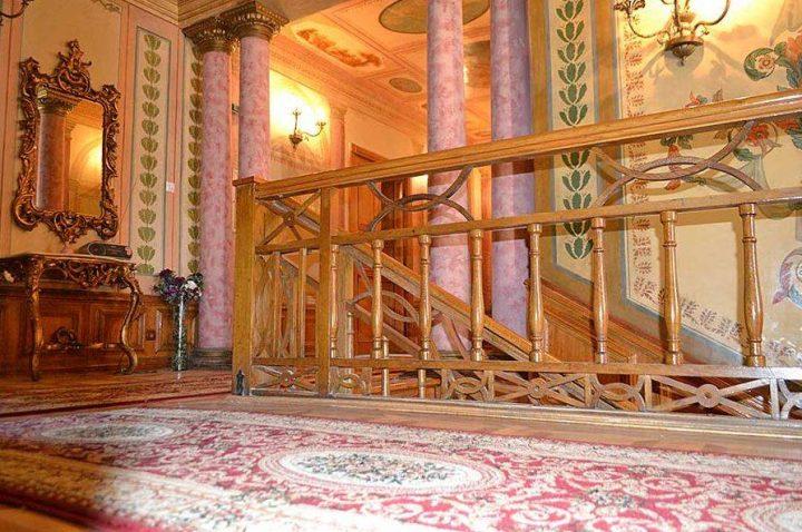 interior palat 3 720x478 Ghica Tei, palatul primului domn de după fanarioți (II)