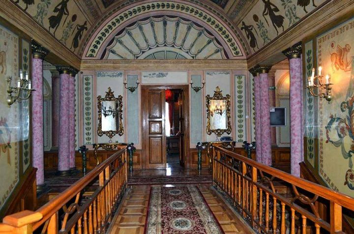 interior palat 4 1 720x477 Ghica Tei, palatul primului domn de după fanarioți (II)