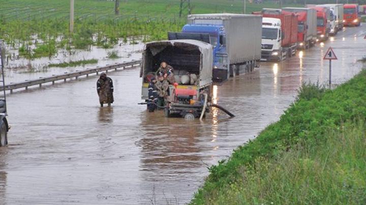 inundatii 4 Patru persoane ucise de viituri