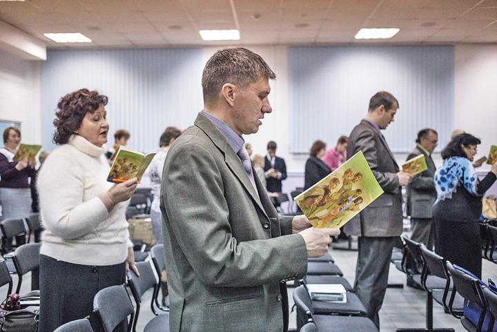 martori 1 Martorii lui Iehova, in conflictul Rusia SUA