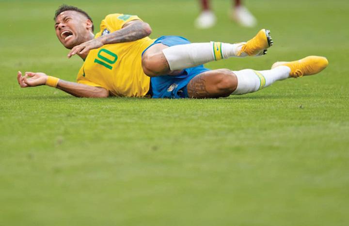 neymar 2 Neymar face circ si nu i pasa