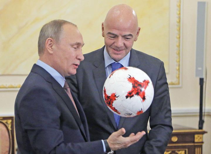 putin 1 Putin vrea si Mondialul feminin