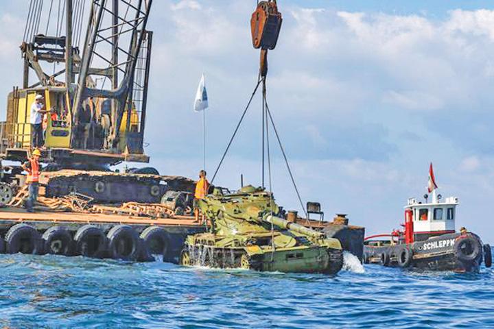 tancuri 1 Liban scufunda tancuri pentru a atrage turisti