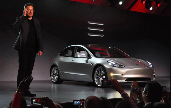 tesla Golaneala la Tesla