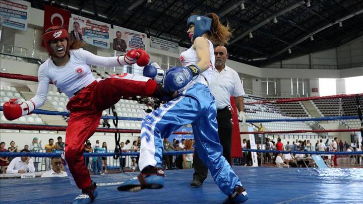 turcoaice Turcoaicele, inebunite dupa kick boxing