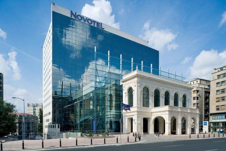 Hotel Novotel si porticul refacut 720x481 Teatrul cel Mare, a fost odată în București (IV)