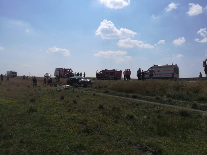 accident arad2 667x500 Accident grav in Arad: un om a murit, un baiat de 17 ani dus cu elicopterul la spital