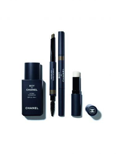 chanel 2 376x500 Chanel a lansat prima linie de make up pentru barbati