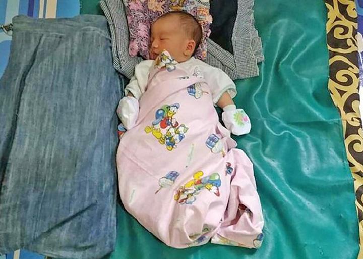 """copil Un bebelus a fost botezat """"Jocurile Asiatice"""" !"""