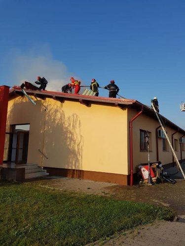 incendiu 1 375x500 Incendiu. 20 de pacienti evacuati dintr un centru medical, in Arad