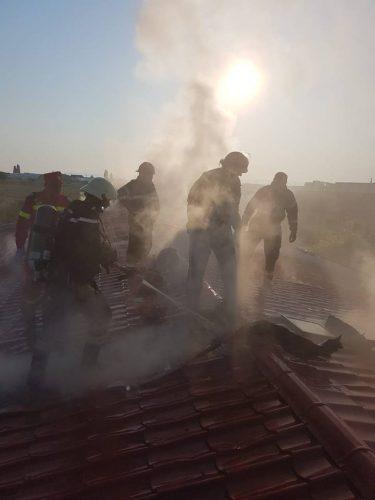incendiu2 375x500 Incendiu. 20 de pacienti evacuati dintr un centru medical, in Arad