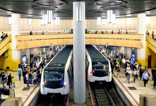 metrou Halucinant! Un metrou cu 2.000 de calatori, la un pas de a deraia
