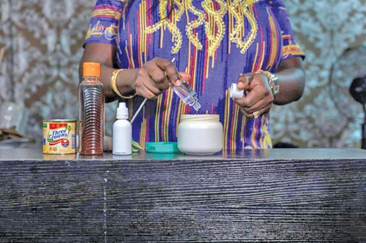 nigeria Africanii se albesc pe capete