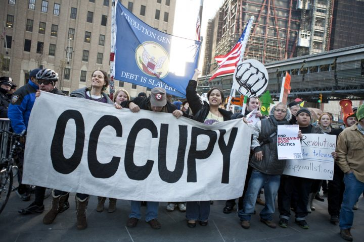 occupywallstreet 720x480 Rezist. Occupy. Indignados. Cine e nasul vostru?