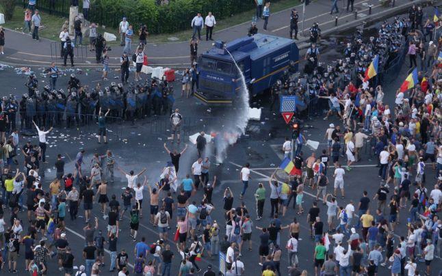 """piata victoriei Expert militar francez: """"Jandarmii au actionat corect in 10 august"""""""