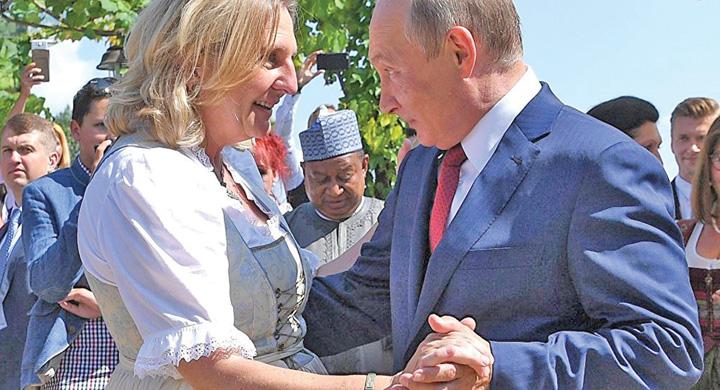 putin 1 Putin, luat cu invartita la nunta