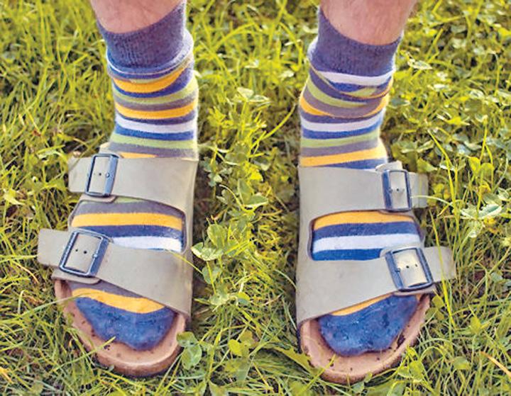 sosete si sandale Kanye West, la nunta in papuci si sosete