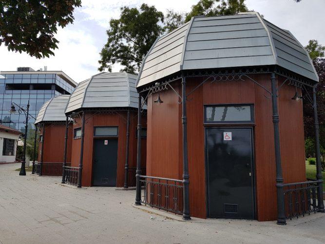 wc uri 667x500 Closetepublice de 150.000 de euro