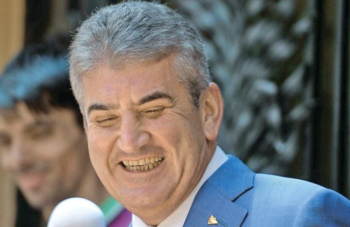 Gabriel Oprea Oprea s a facut membru in Sindicatul Politistilor in timp ce era judecat pentru moartea lui Gigina