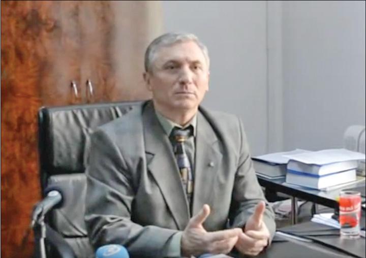 Lazar Lazar, la concurenta cu Iohannis in risipirea banului public
