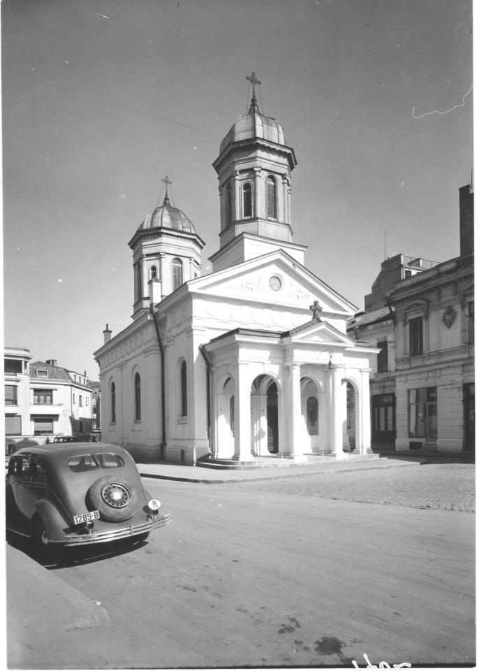 anii 40 Biserica Albă, un reper spiritual (I)