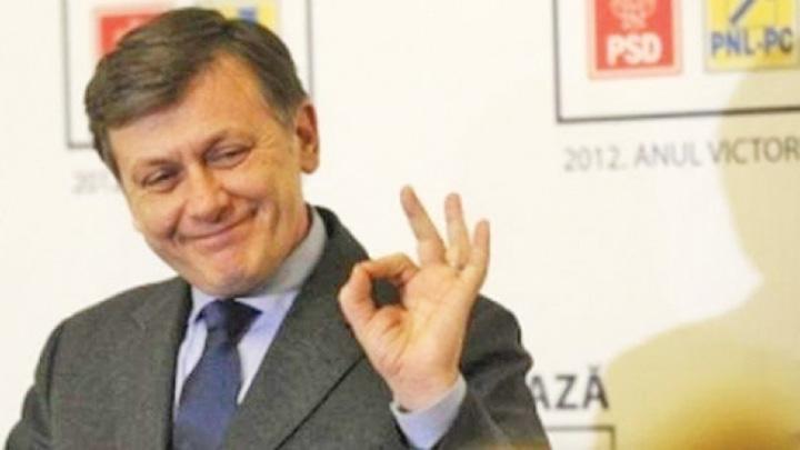crin antonescu Antonescu revine in politica. In cea cu bani!