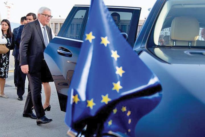 juncker bun1 Juncker: Europa trebuie sa respire cu doi plamani