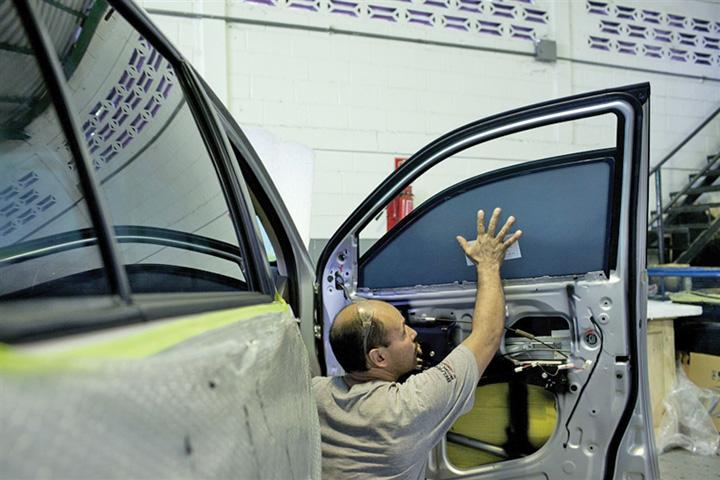 masini 1 Cea mai mare piata de masini blindate  second hand