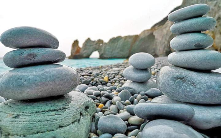 """pietre 2 Grecia, in lupta cu """"hotii"""" de pietre"""