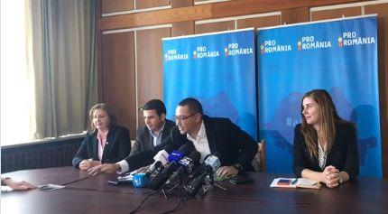 poza 1 Ponta a mai scos la inaintare o poza cu Dragnea
