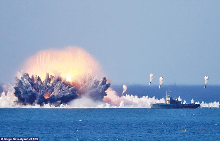 rusia mare 1 50 de avioane rusesti deasupra Marii Negre