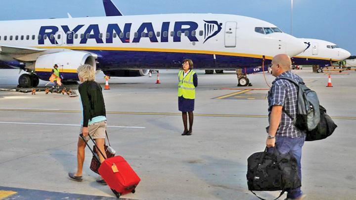 ryanair 190 de zboruri Ryanair, anulate maine