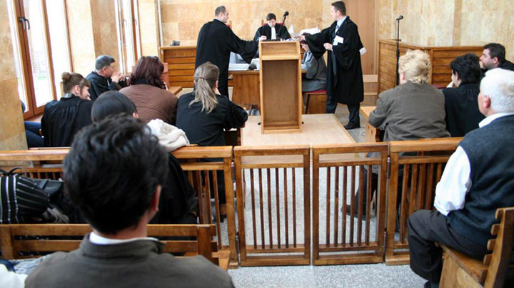 sala de judecata Instantele civile, atac la procurorii militari!