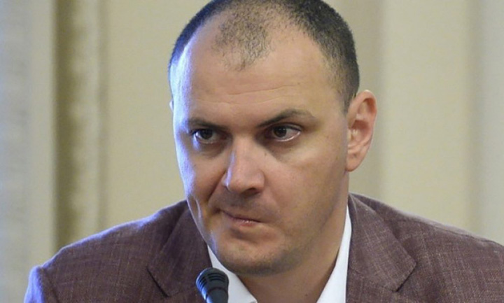 sebastian ghita Sebastian Ghita nu se poate intoarce in Romania