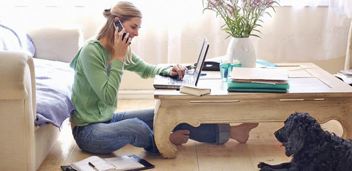 studiu 8 din 10 romani vor sa munceasca de acasa